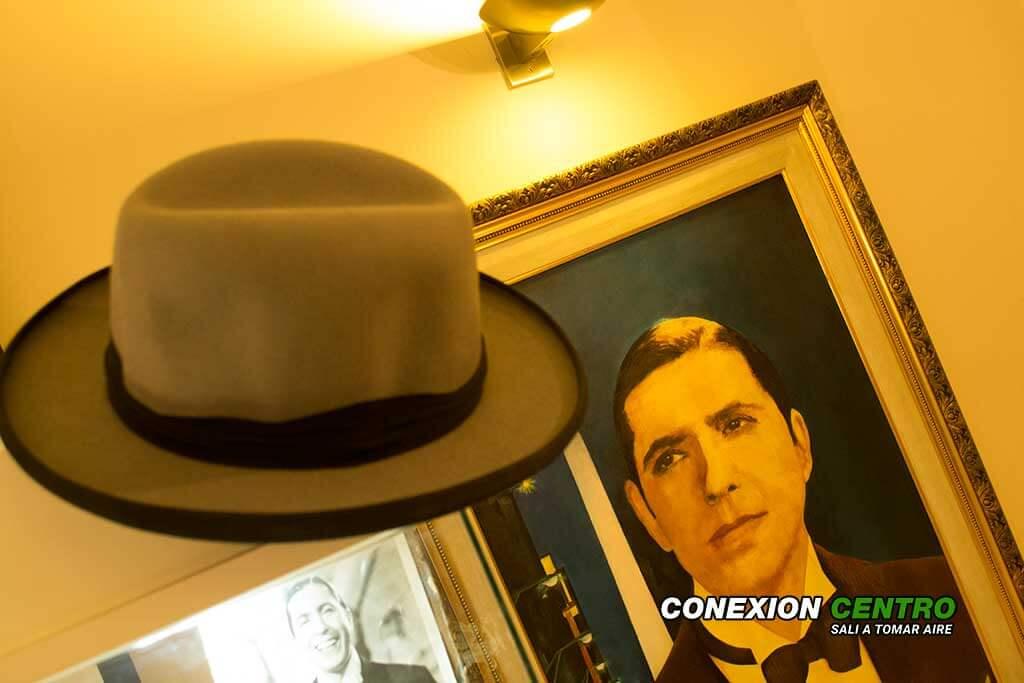 Carlos Gardel de visita por la ciudad